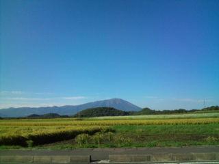 休日、快晴26℃。